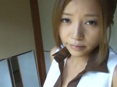 妖艶な瞳で見つめてくる巨乳痴女→我慢できずに旅館内で本気パコ