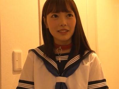 制服姿のアイドル級美少女が複数人から纏めてハメられて腰砕け