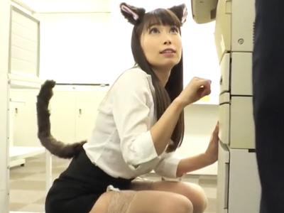 猫耳が生えた女上司が可愛くてフル勃起!オフィスで押し倒してハメ倒しw