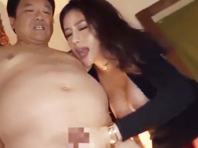 男たちを淫らに責めまくって腰砕けテクでザーメン搾取する痴女