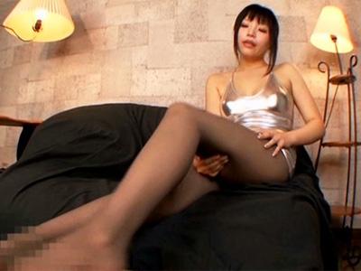 「パンスト好きなんでしょう?」エロエロお姉さんがパンスト美脚で足責め&足コキ