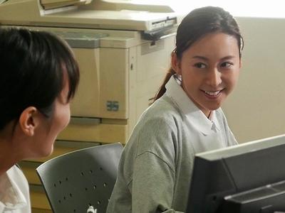 「も、もっとほしい!」人妻看護師が患者チンポで逆診療!