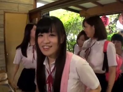 「先生もしたいんでしょ?」修学旅行の女生徒たちと乱交パコ
