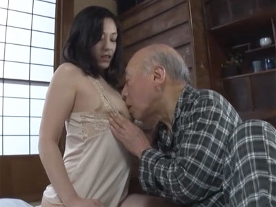 完熟ボディの熟女妻が老いぼれ爺のチンポに最後のご奉仕→昇天