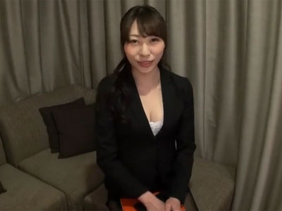 ドスケベな痴女OLが念願の相性抜群チンポに出会い→中出しされアヘイキ