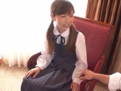 真面目で大人しそうな女子〇生がまさかの円光!ホテルでプライベートSEX
