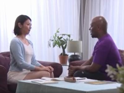 「夫の何倍も…」日本語レッスンの黒人生徒の巨根がスゴすぎて…