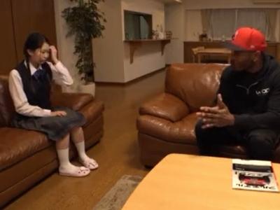 「こ、こんなに大きいの?」思春期のJKが性に興味を持ち…もう日本人では満足できない!
