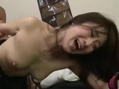 「だめぇ…だめえ!」クンニだけでも絶頂する敏感娘に大量顔射