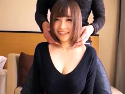 アイドル級ルックスのマシュマロおっぱい爆乳娘と濃厚ハメ撮り!