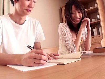 「勉強だけじゃないでしょ…?」顔を近づけてエッチな授業までしてくれる神カテキョ!