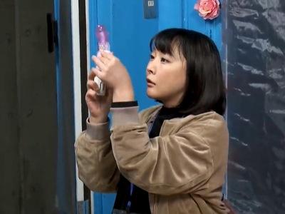 AV制作会社で働く爆乳女ADが「リハ撮り」という名目のもと3Pパコw