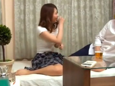 「立ち上がったら酔っぱらって❤︎」神乳推定Gカップはある素人を盗撮しながら何度もハメ倒し