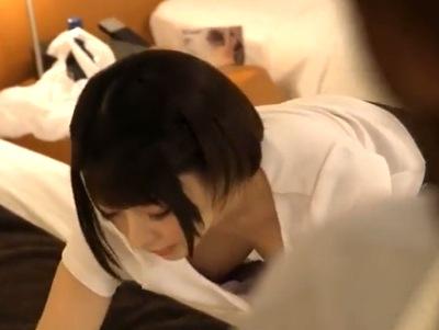 童顔美人マッサ師の乳首が見えてる!ムラムラを抑えきれなくなって本番強要レイプ