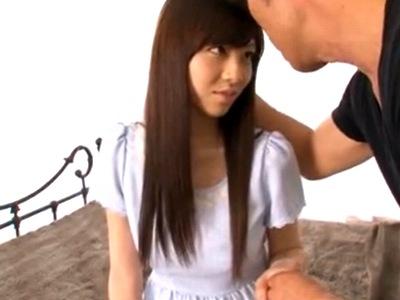 アイドル顔負けのルックス美少女が緊張しながら男優に激ピスされ連続イキ!