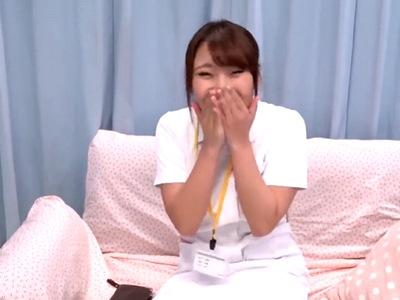 病院の目の前で現役看護師さんをナンパ→24歳・2年目の新人さんが人助けパコw