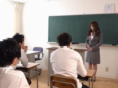 理想の教師なるはずだった…新任女教師はぶっかけ願望に取りつかれてw