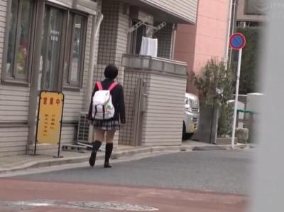 可愛い女子校生の自宅を特定→向かいのマンションから盗撮まがいなことをして自宅ハメ撮り