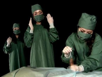 閲覧注意!サディスティック肛門科の実態…M男にはたまらない3人の痴女医による終わらない改造