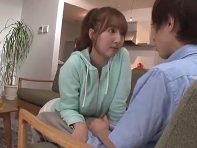 ノーブラの誘惑!三上悠亜ちゃんの胸チラにたまらず大量射精