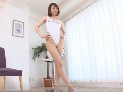 長身スレンダーなキャンギャルパコ→レオタード半裸のままマングリ返しで膣奥イキ!