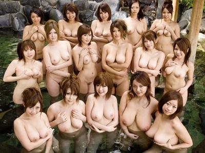もしもこんな露天風呂だったら!?Fカップ以上の巨乳が勢ぞろいした乱交浴場