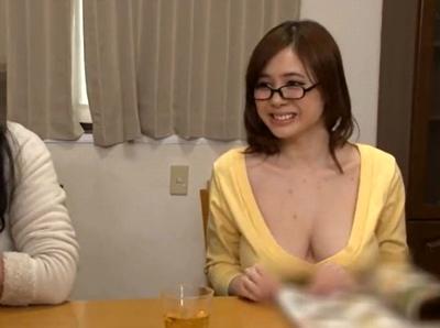 普段から胸チラしまくりな爆乳カテキョの卑猥な性授業