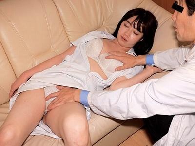 とある悪徳医師の趣味動画がリアル流出…美人看護師をクスリで眠らせて大量種付けレイプ!
