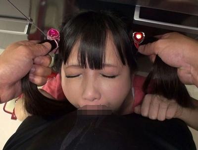 いきなり強制イラマチオ→ツインテロリの髪を思いっきり掴んで射精まで激ピスw