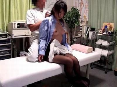 丸の内OL御用達の整体→肩腰を痛めた美人OLたちが膣内までスッキリさせられるデトックスパコ