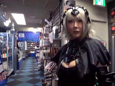 「ちゃんとわかってますよね…?」DVD屋の店員とパコって自分のDVDを置いてもらう痴女レイヤーw