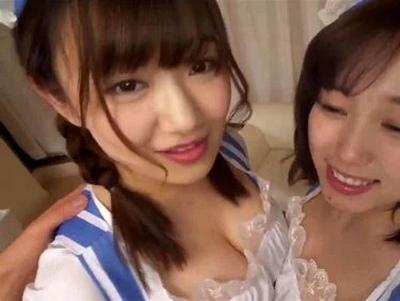 「ご主人様…私にも♡」2人の爆乳メイドが1本のチンポを取り合ってハーレム3P