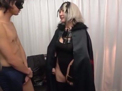 ムッチムチ爆乳なコスプレ美女が乳揺らしながら卑猥な喘ぎ声を上げるオフパコ