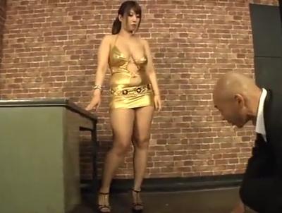 「アンタ…何回失敗してるの?///」ヤ〇ザのムッチリ姐さんがいつも足蹴にしてる子分チンポで絶頂イキ