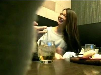 まだまだ遊びたい盛りの若妻さんがお酒で泥酔→旦那以外のチンポを笑顔で受け入れちゃう不倫ハメ撮り