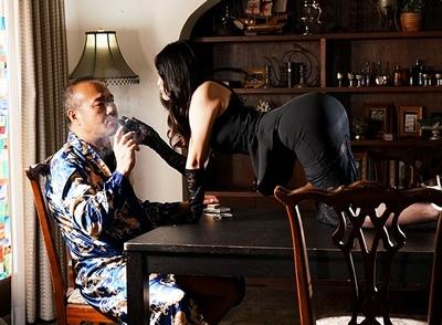 これが高級娼婦の実力!男を絶対に虜にする美人妻がある金持ちの屋敷にとりいって…