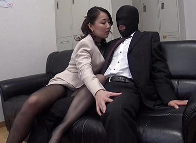 パンストOLの淫らな誘惑!強気で男を誘ってきたくせにチンポを挿入されるとアヘっちゃう淫乱お姉さん