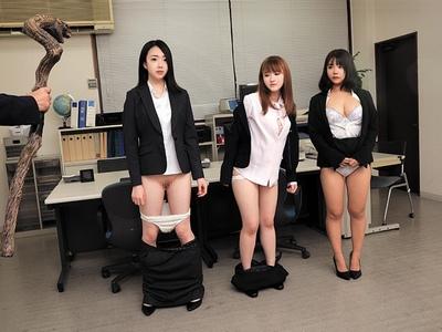 時間よ止まれ!就職に悩む美人女子大生だけに狙いを絞ってリクルートスーツのまま強行レイプ