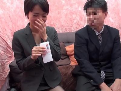 【JK羞恥】制服姿のJK美人娘の、フェラバイブ媚薬プレイ動画!!