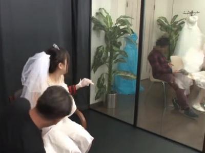 ウェディングドレスを試着に来た花嫁がマジックミラー越しに寝取られてガチレイプ!