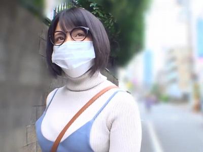 「マスクしたまま撮影ってだめ…ですか?」地味系爆乳レイヤーが結局は顔出しコスパコw