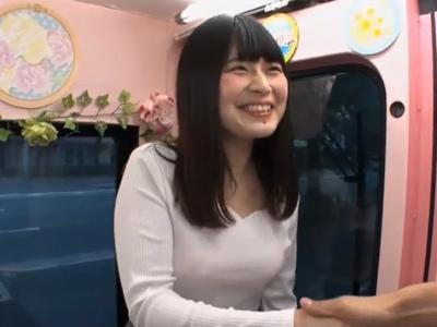 笑顔が可愛い女子大生が隠れ巨乳!ムッチリ体系を曝け出して即パコ出演