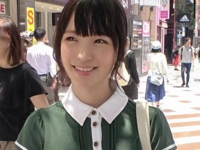 渋谷駅周辺で捕まえた専門学校生!まだ大人の怖さを知らないウブ系素人と顔射パコ
