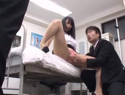 爆乳教師が性奴隷化!同僚教師の目の前で絶頂が止まらないw